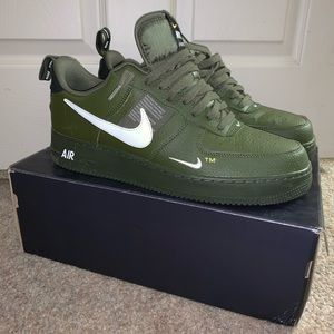 Men's green Air Force ones size 12